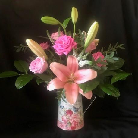 Jug arrangement (pink)