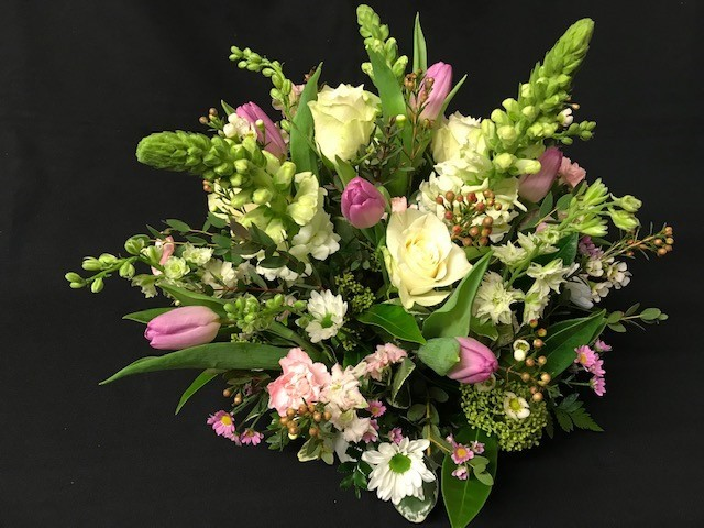 Pink and white posy