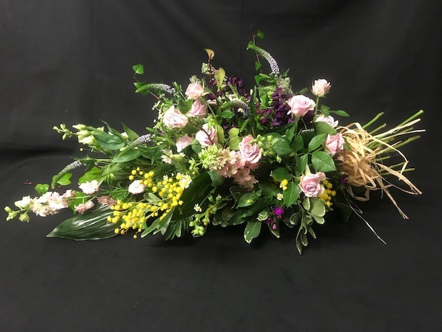 Tied style arrangement (Pink and lemon)
